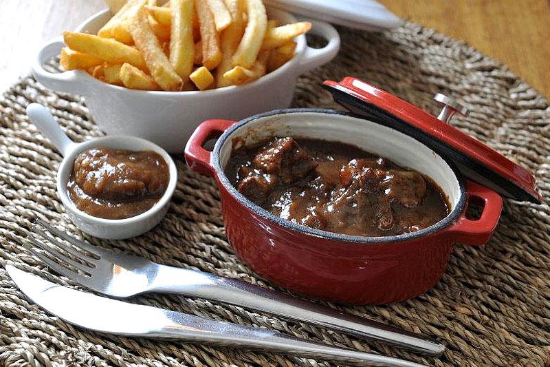 Restaurant le bizet c te c te taverne aux sp cialit s - Plats cuisines sous vide pour restaurant ...